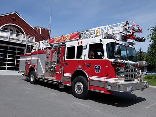 """""""ウィスラーの消防車と消防署"""""""