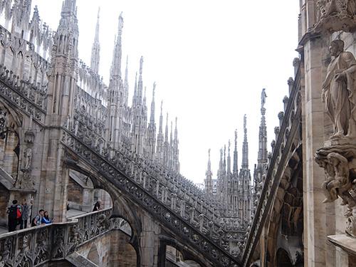 """""""ドゥオーモの屋上へ@ミラノ"""""""