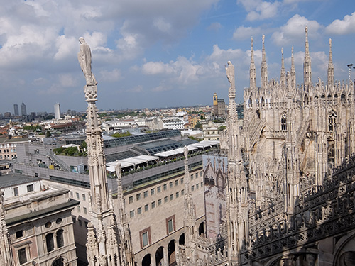 """""""ドゥオーモの屋上からの眺望@ミラノ"""""""