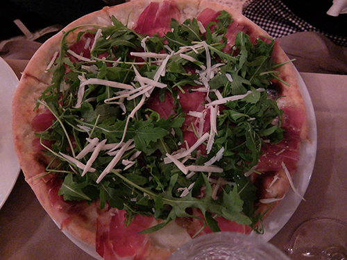 """""""たっぷり野菜と生ハムのピザ@Ristorante"""