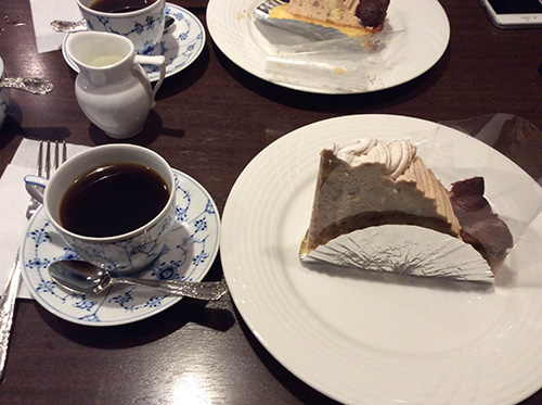 """""""椿屋珈琲店新橋茶寮のケーキセット"""""""