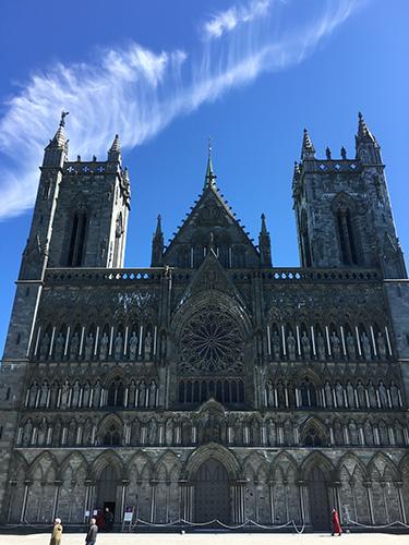 ノルウェー最大のニーダロス大聖堂@トロンハイム