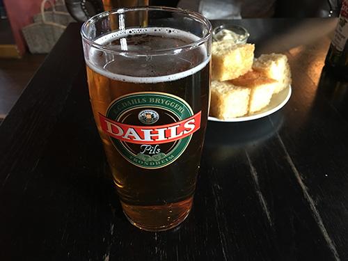 トロンハイムの地ビールDAHLSで乾杯@Tulla Fischer