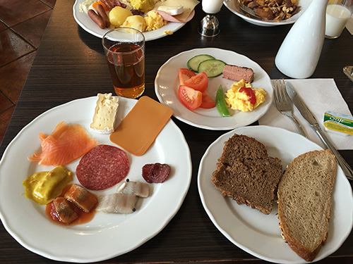 大満足の朝食@Quality Hotel Augustin