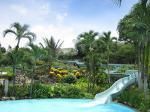 グアム3世代旅行4:ホテルでウォータースライダーのあるプールを満喫